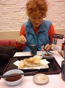 Herlinde Koelbl in Tokyo. Foto: Maja Hoock